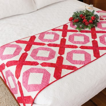 AccuQuilt GO! Hugs and Kisses Bed Runner free pattern