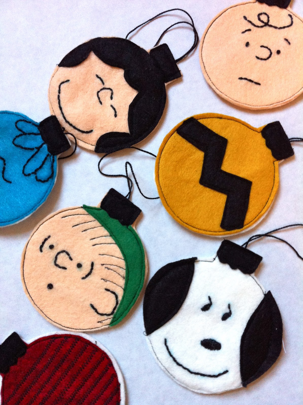 a little gray charlie brown christmas ornaments tutorial - Charlie Brown Christmas Decorations