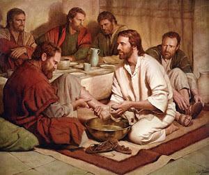 """Si alguien quiere ser el primero, deberá ser el ultimo de todos, y servirlos a todos.""""  Marcos 9: 3"""