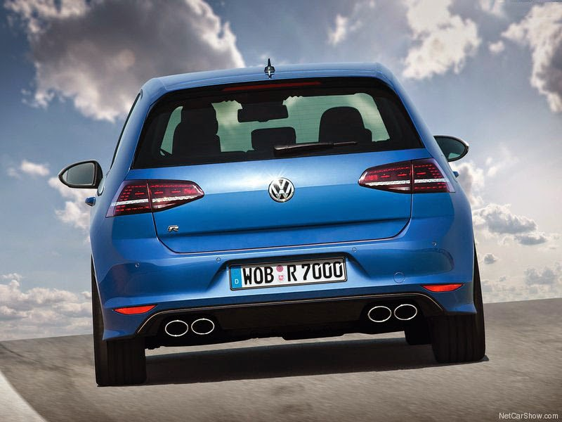 Volkswagen VW Golf R - traseira de 2014