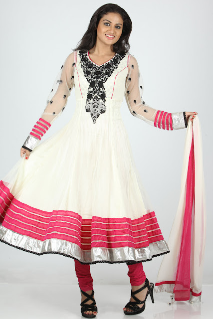 Embroidered-Wedding-Churidar-Kameez