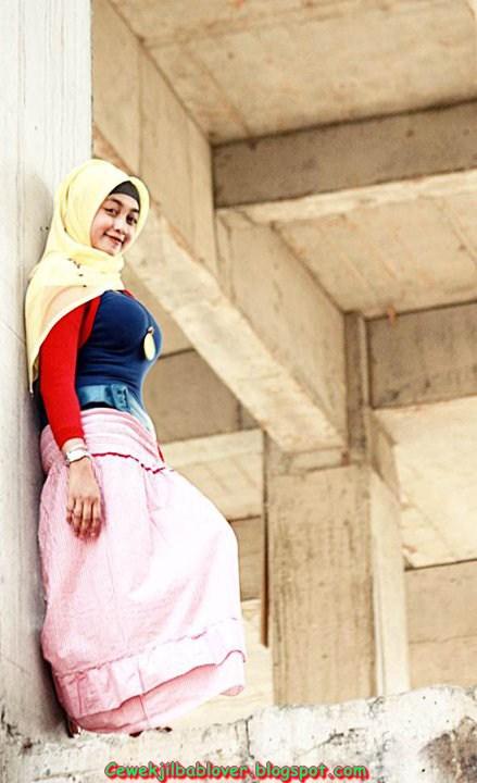 Foto Jilbab Ketat ala Cewek ABG Masa Kini Terbaru 2014