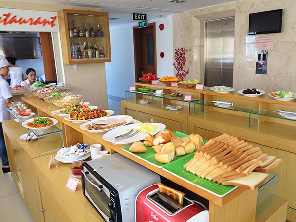 Dendro Hotel Breakfast Buffet