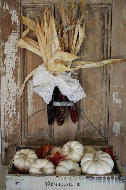 FARMHOUSE 5540 A Farmhouse Autumn