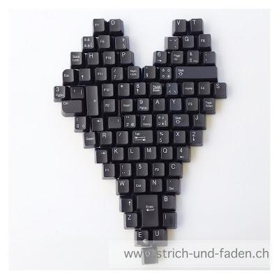 mit Strich und Faden | Keyboard Heart Upcycling Magnet Tastatur