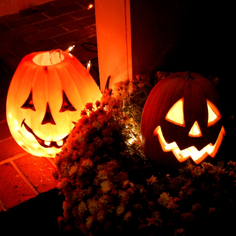 the symbolism and traditions in halloween