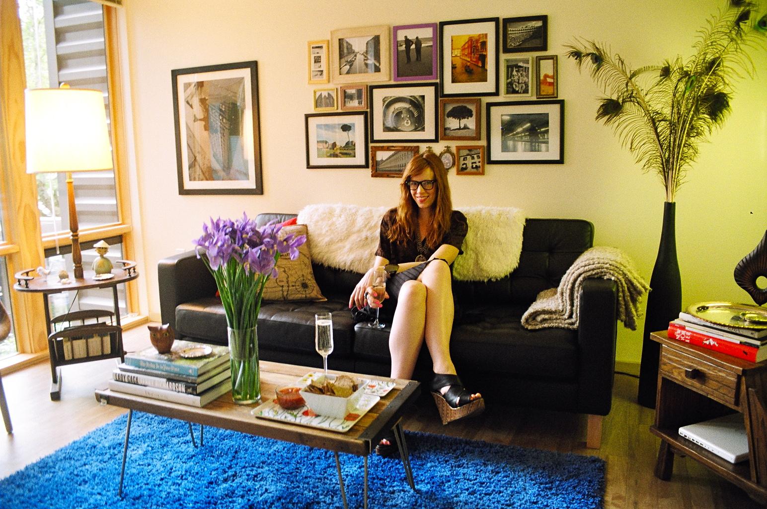 Dressed for Tea: Inside the Home of Mary O\'Regan