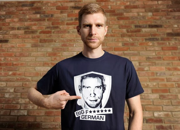 Per Mertesacker sells 'Big F***ing German' T-Shirts for charity