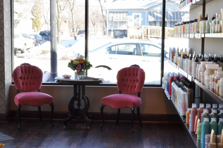 Le Petit Connaisseur De La Mode The Beauty Room Twiggs Salon Named