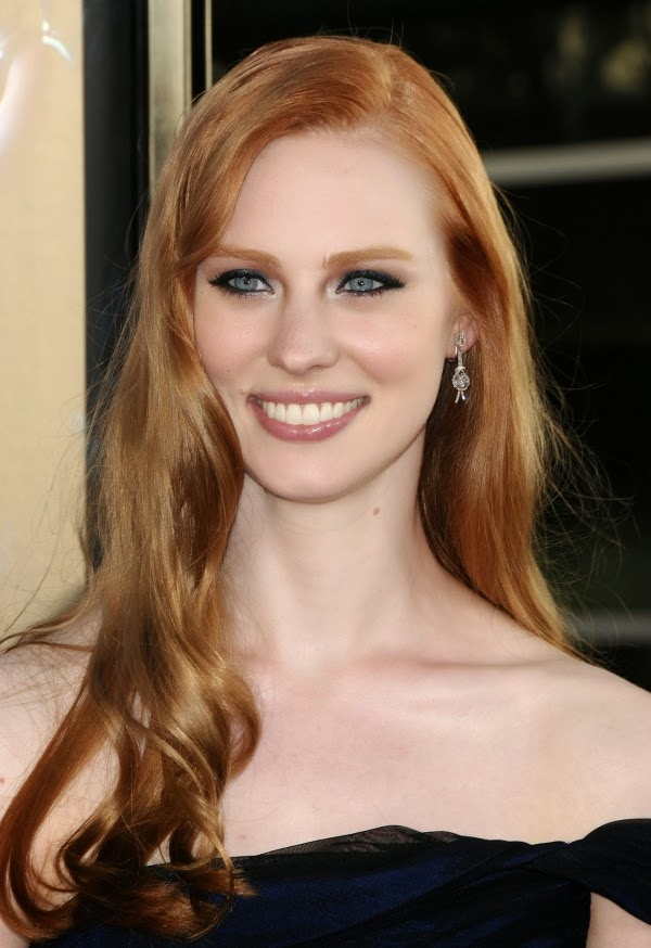 deborah ann woll as the vampire diaries caroline forbes