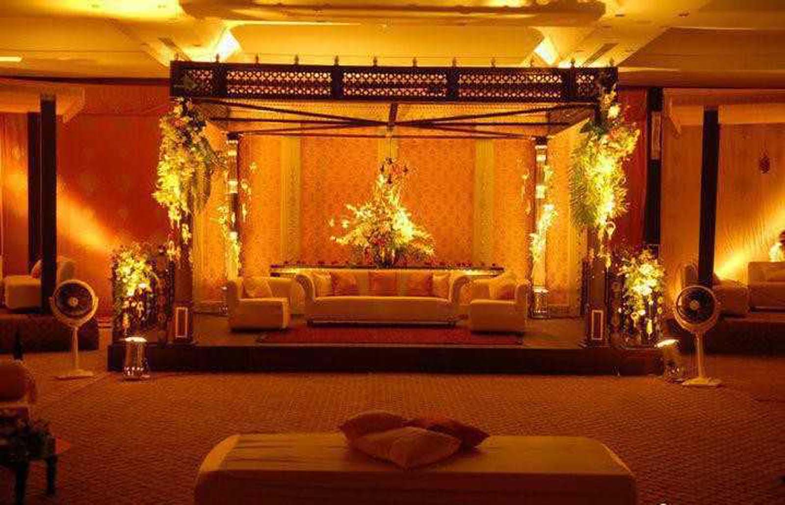 Bengali wedding guide gaye holud or turmeric on the body for Stage decoration