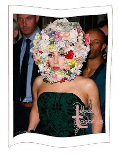 Lady Gaga, fan de los tocados de Philip Treacy