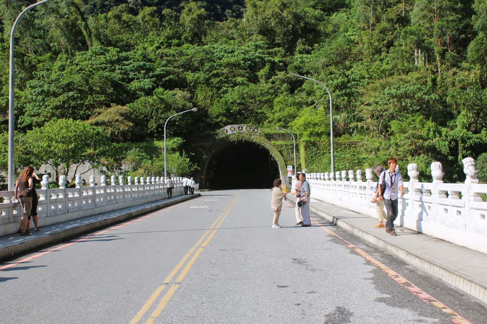 This is the main road to drive along the marble bridge before heading into the tunnel to explore more Taroko Gorge National Park in Hualien, Taiwan