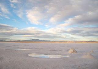 salar de uyuni,salar de uyuni bolivia,salt desert