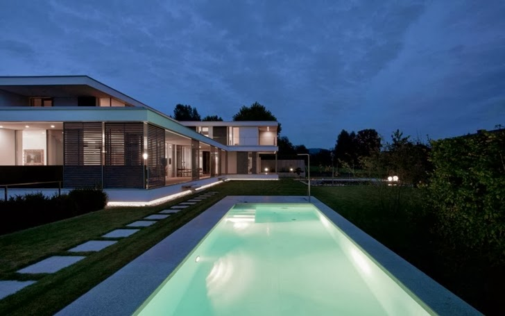 Swimming pool in Modern Haus SK in Austria