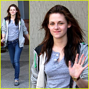 Kristen Stewart  Acting on Kristen Stewart Won Best Female Acting For Her Role As Mallory In