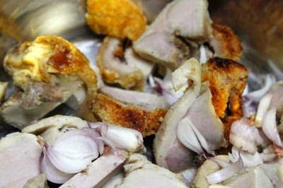 Vietnamese Food Culture - Thịt Heo Quay Kho Dưa Cải Chua