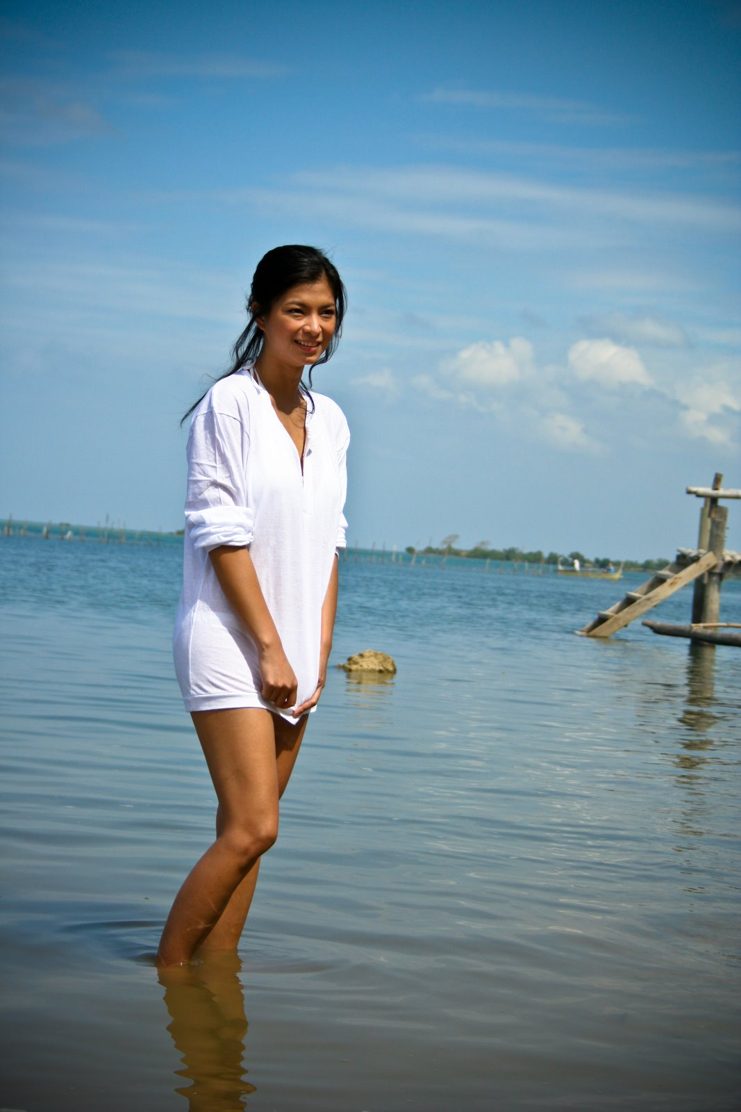 www_angel locsin scandals_com http://allpinays.blogspot.com/2012/02/sexy-angel-locsin-beach-photos.html
