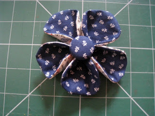 Fabric Flower Tutorial by RosMadeMe