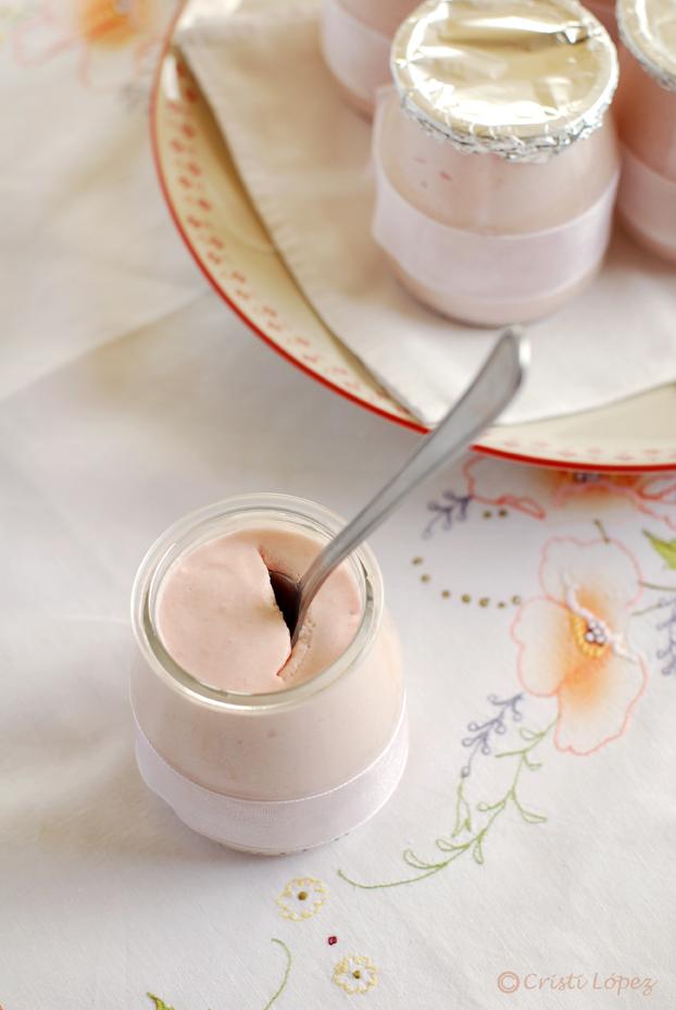 Mousse de yogur de fresas