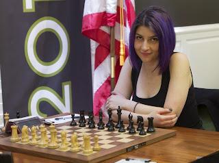 Tatev Abrahamyan rattrape Krush et Zatonskih pour les départages du championnat d'échecs américain