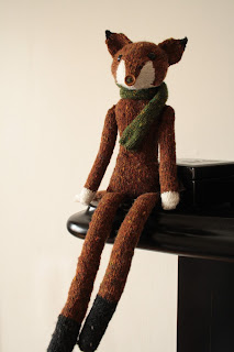 Sophisticated fox knitting pattern by owlprintpanda.blogspot.co.uk