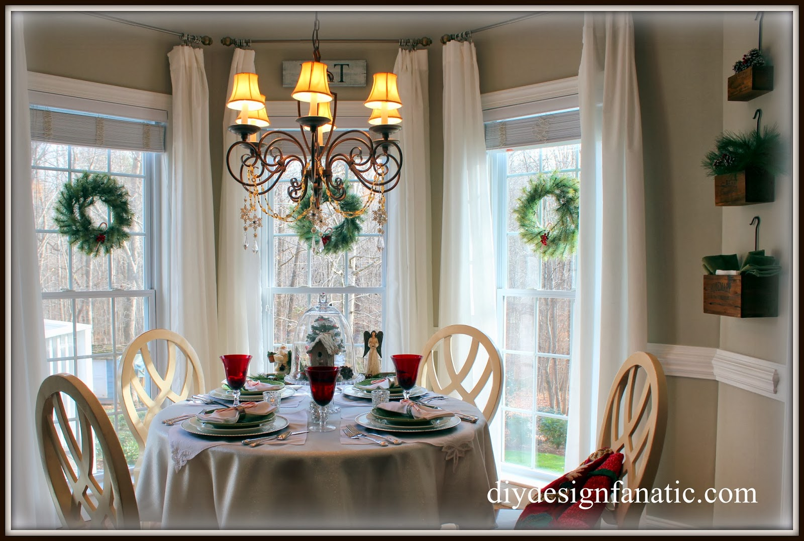 Diy Design Fanatic Christmas In The Breakfast Room 2013
