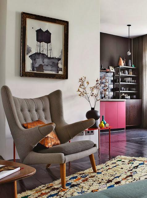 Designklassiker im Mid-Century Design in Berlin: Papa Bear Sessel von Hans Wegner