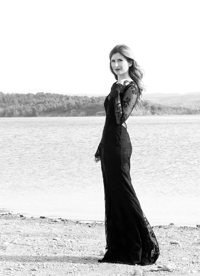 Vestido largo de fiesta en blanco y negro