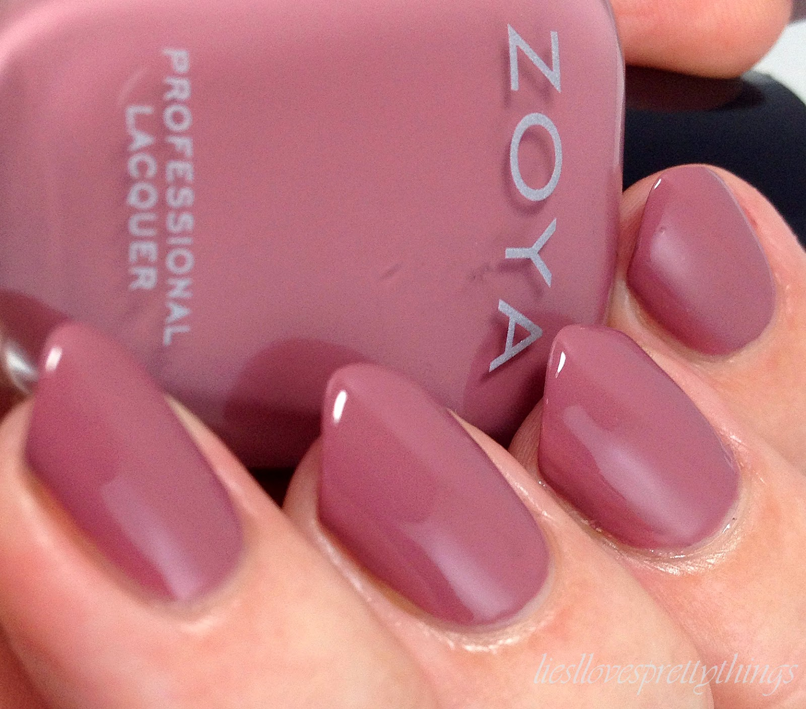 Zoya Naturel Deux swatch and review