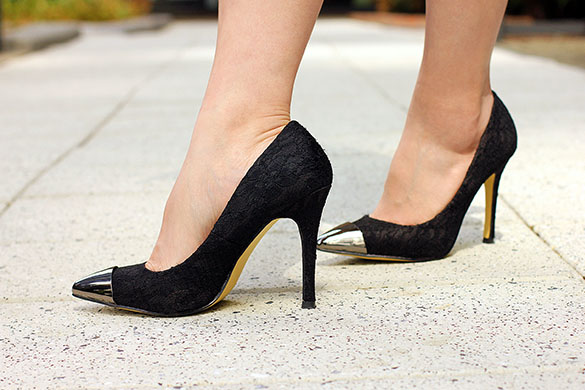 ShoeDazzle Black Lace Pumps