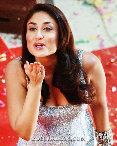 Kareena Kapoor Bending Down - Sweet Cleavage - (5) - Kareena Kapoor Face CloseUp Heroine Movie Stills - Kissing & Waving