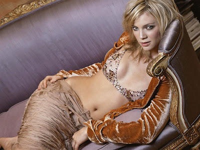 Amy Smart Images 2013