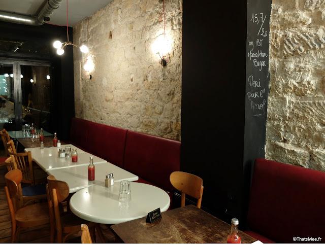 Bar à Burgers salle resto restaurant Paris 10ème mur pierre banquette sky rouge