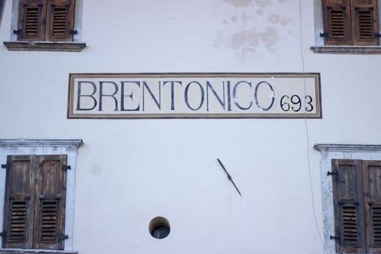 italian village sign
