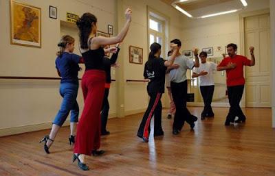 Clases y cursos de baile como alternativa de negocios rentables
