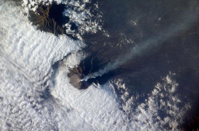 Erupciones volcánicas vista desde espacio
