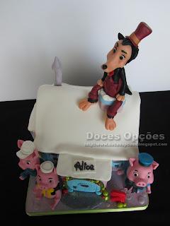 lobo e porquinhos festa aniversário bolo decorado bragança doces opções susana