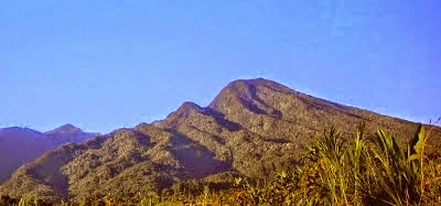 5 Gunung Paling Angker Di Jawa