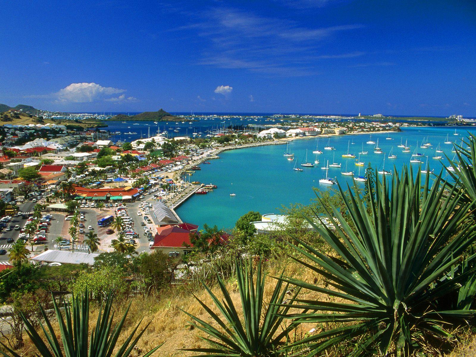 http://3.bp.blogspot.com/-dlEQ9ydU55o/Tv3nlqh6oKI/AAAAAAAADZg/mWB5S_UaV-Y/s1600/Marigot+Bay%252C+Saint+Martin%252C+French+West+Indies.jpg