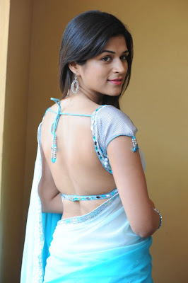 shraddha das bare back