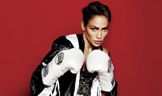 Jennifer Lopez boxeuse pour V Magazine