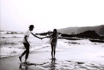 Aquí estamos, nuestros sueños a la vista,vamos a llegar juntos