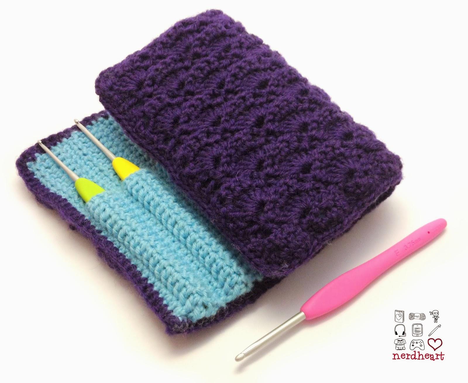Nerdheart: Crocheted Crochet Hook Case