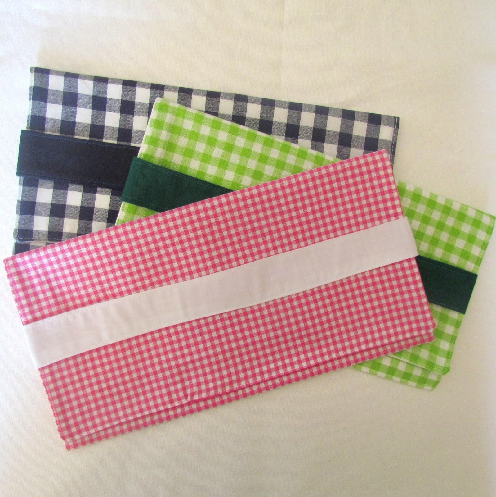 La compagnie des tabliers pochettes en vichy pour ranger sa serviette - Pochette serviette de table ...