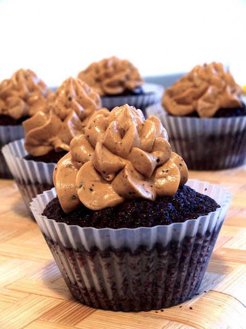 chokolade cupcake med lakrids buttercream frosting
