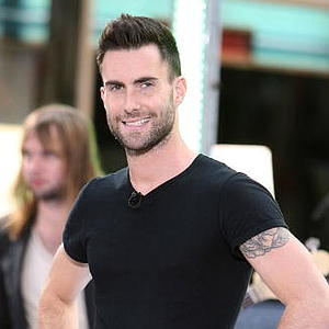 Adam levine short spiky hairstyle men hairstyles short long adam levine short spiky hairstyle haircut urmus Images