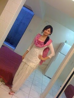 Pakistani Desi Girl Picture 4