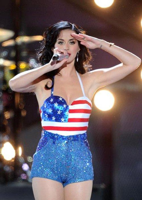 Rihanna Song Fourth Of July Fashion The Stars Dress Up