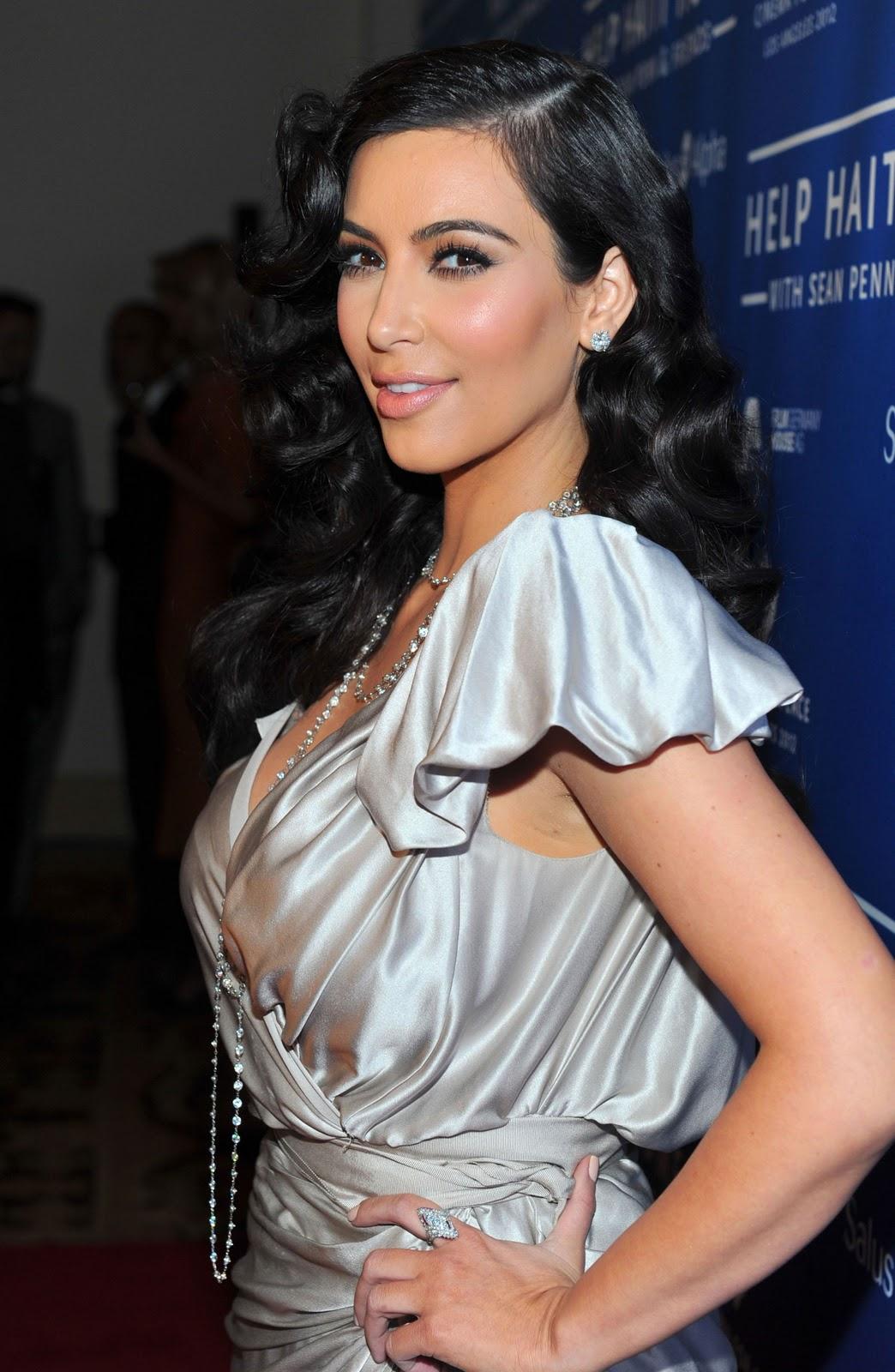 http://3.bp.blogspot.com/-dmNslw1m1Lw/TxP9CrTCQ7I/AAAAAAAAFwo/cPiaackMOCg/s1600/Kim-Kardashian+%25282%2529.jpg
